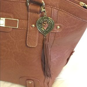Accessories - Fashion Crooked Fence Tassel Pendant